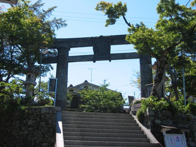 金峯山寺 銅の鳥居