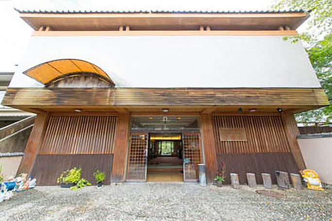 景勝の宿 芳雲館